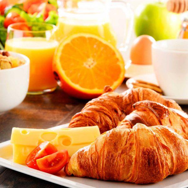 Desayuno Up rooms Vic